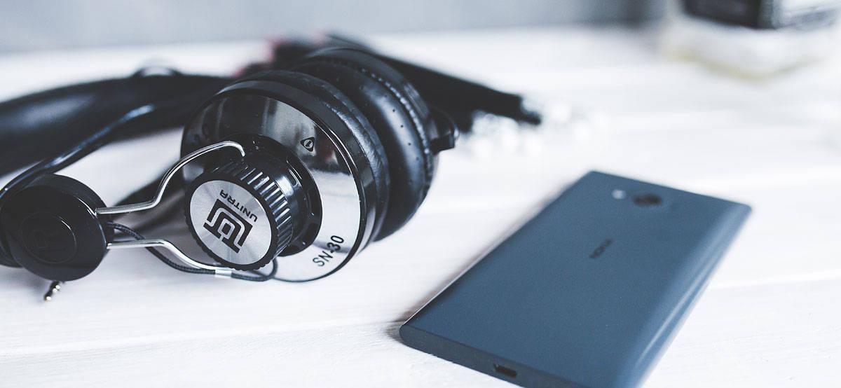 headphones-791152