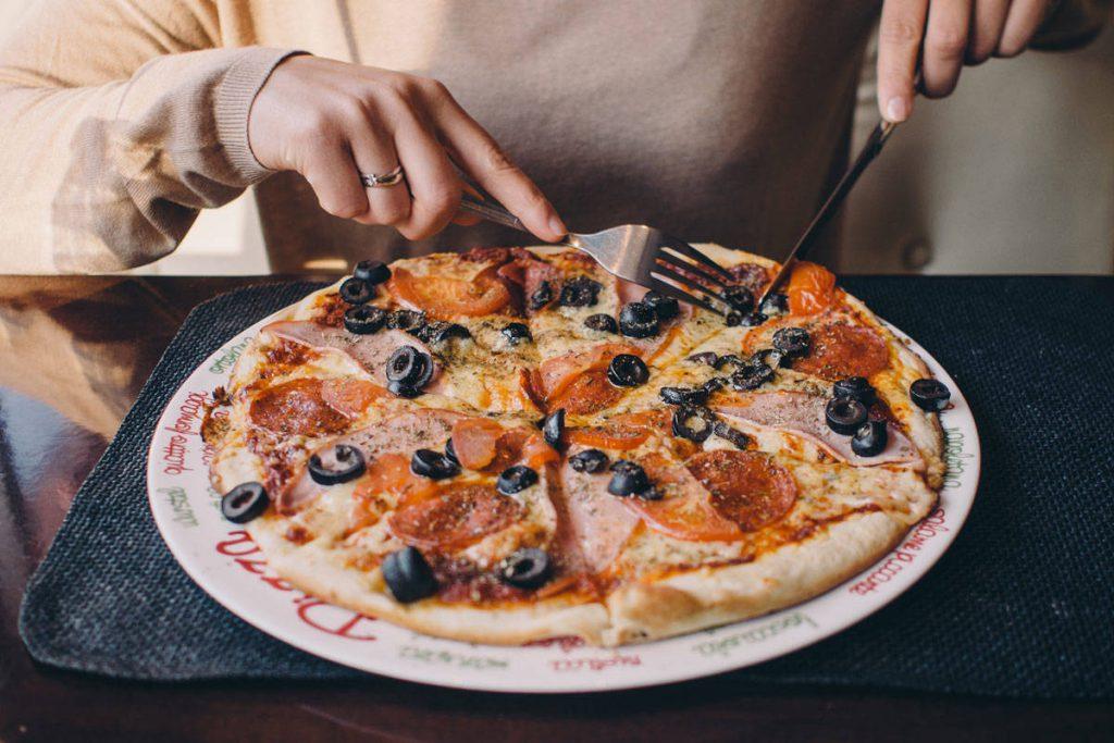 food-pizza-restaurant-eating